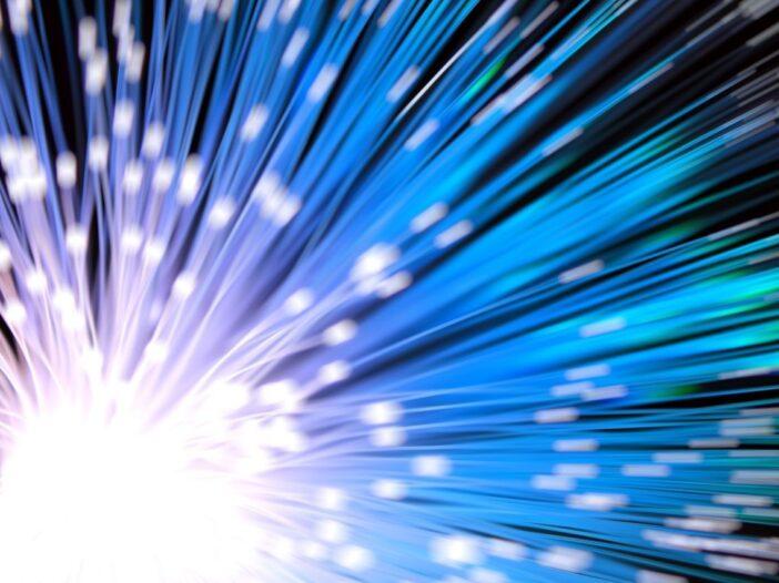 record-vitesse-internet-178-terabits-seconde